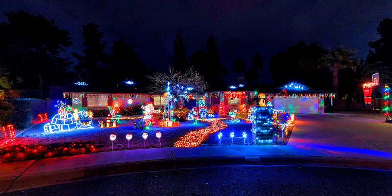 Best Christmas Lights in Phoenix Moon Valley Christmas Lights Twelve Homes of Christmas